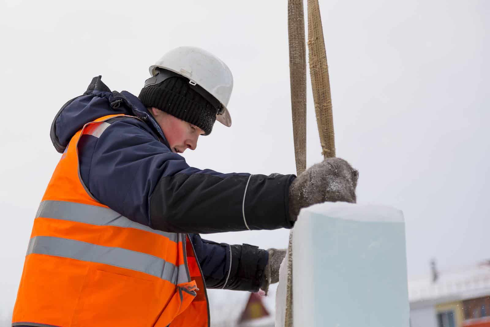 Best Winter Jackets for Men - Coats for Construction Workers